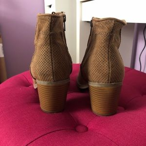 Old Navy Shoes - Old navy perforated booties